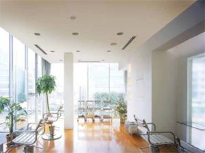 採用風管送風的冷氣空調系統,能彈性對應各種空調空間,讓室內更舒適